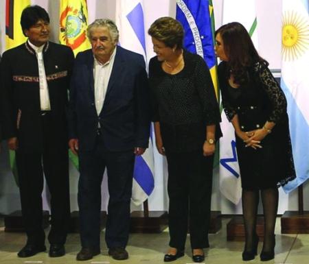 Evo Morales assinou na sexta-feira, dia 7, documento para que a Bolívia seja sócio pleno do Mercosul.