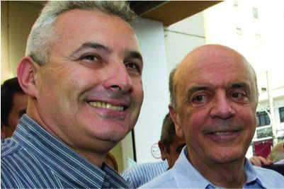Coronel Telhada (à esquerda) ameaçou repórter da Folha.