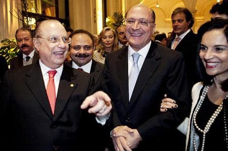 Geraldo Alckmin (ao centro) governador de São Paulo oferece espaço ao PP de Paulo Maluf e a Celso Russomano (PRB), candidato a prefeito derrotado na capital paulista.