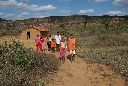 O dinheiro do Bolsa Família trouxe poder de escolha às mulheres do sertão.