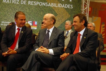 Campos, Serra e Aécio: Um deus-nos-acuda para a vaga de presidenciável.