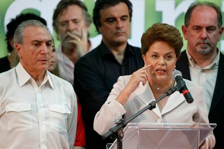 Ze_Abreu07_Dilma