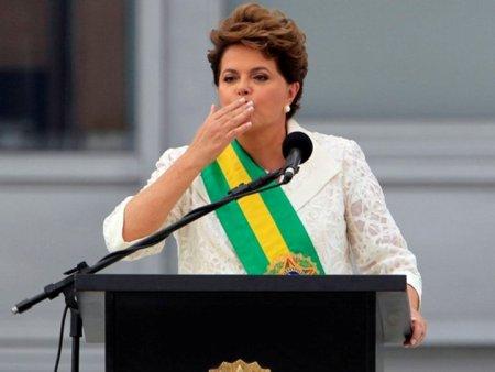 Dilma_Posse_Beijo01