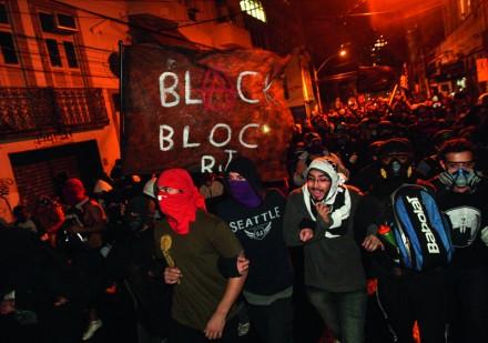 Manifestacao_Black_Bloc02