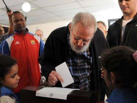 Fidel_Castro07_Votacao