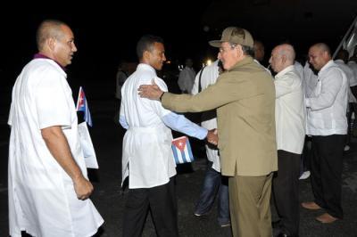 Cuba_Raul_Castro20_Medicos_Serra_Leoa