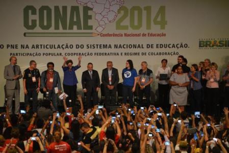 Dilma_Conae02