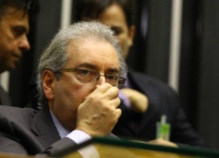 As ações do deputado Eduardo Cunha cheiram mal.