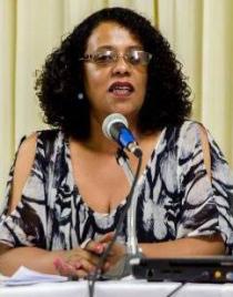 A militante e historiadora Luzia Souza.