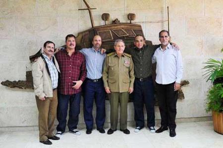 Cuba_Raul_Castro23_5_Cubanos