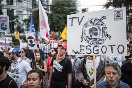 Globo_Manifestantes07
