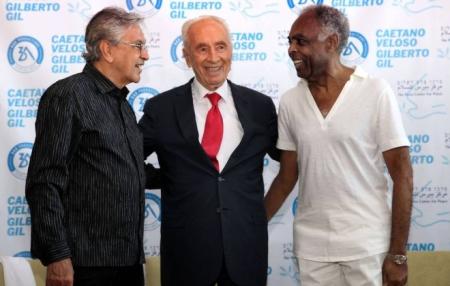 Caetano06_Gil_Shimon_Peres