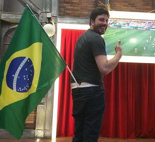 Danilo_Gentili18_Bandeira