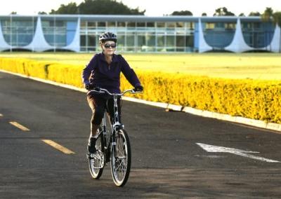 Dilma_Bicicleta01