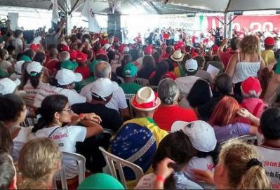 Lula_Acampamento_Brasilia01