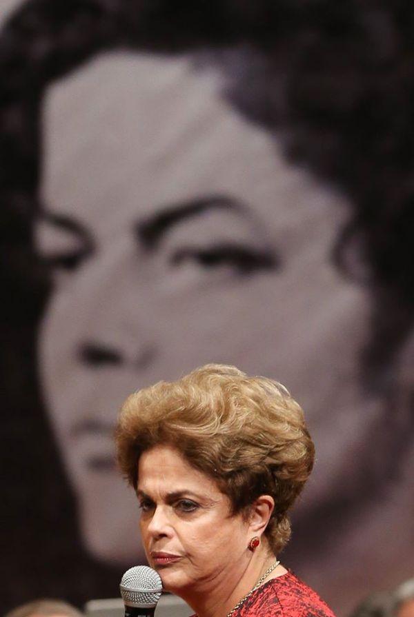 Dilma_Ontem_Hoje01