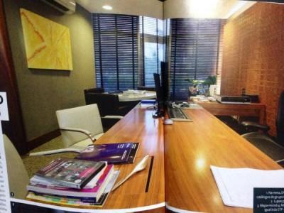 yunes02_escritorio