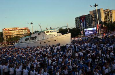 cuba_granma03_desfile