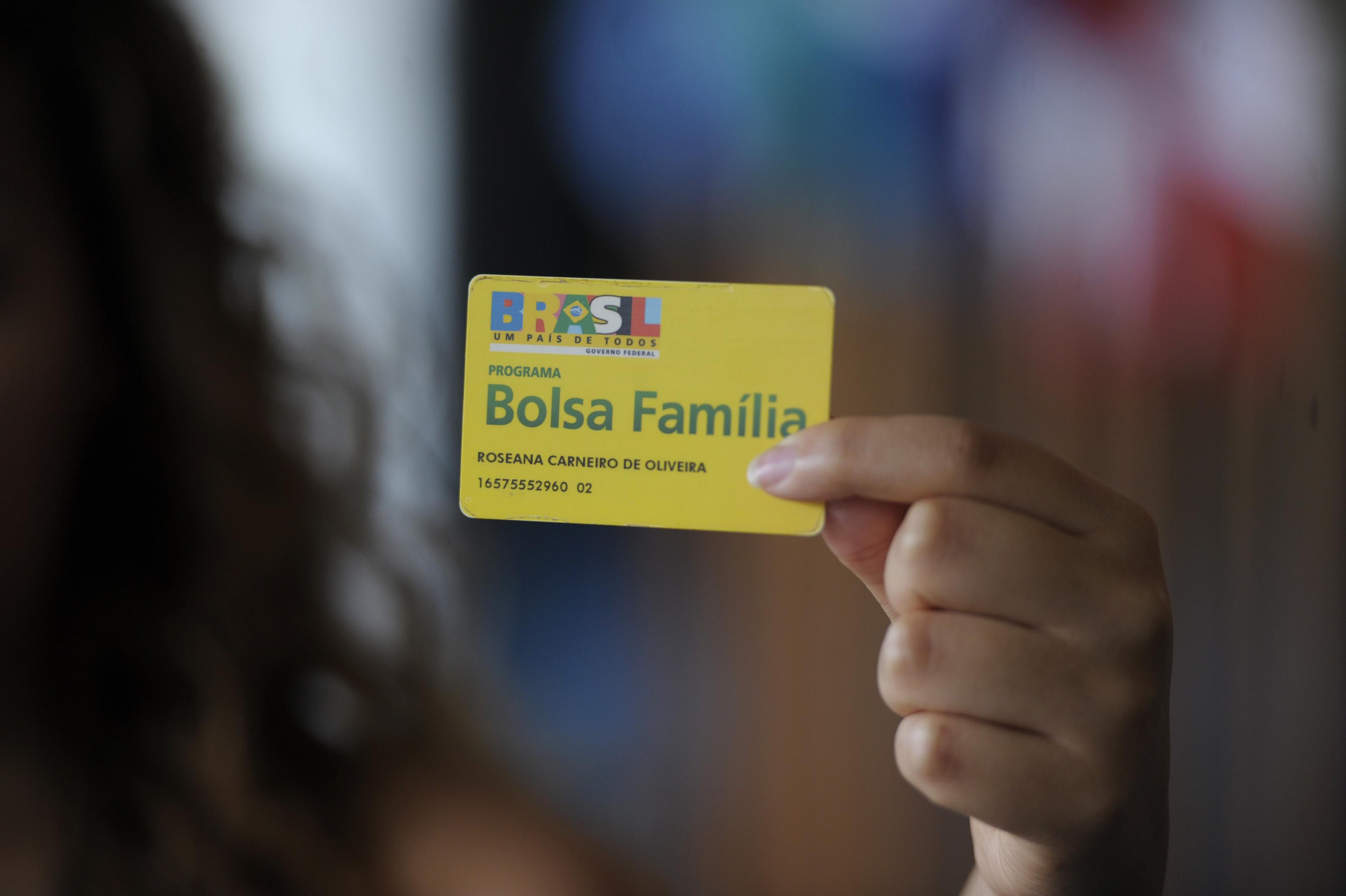 Resultado de imagem para cartão bolsa familia