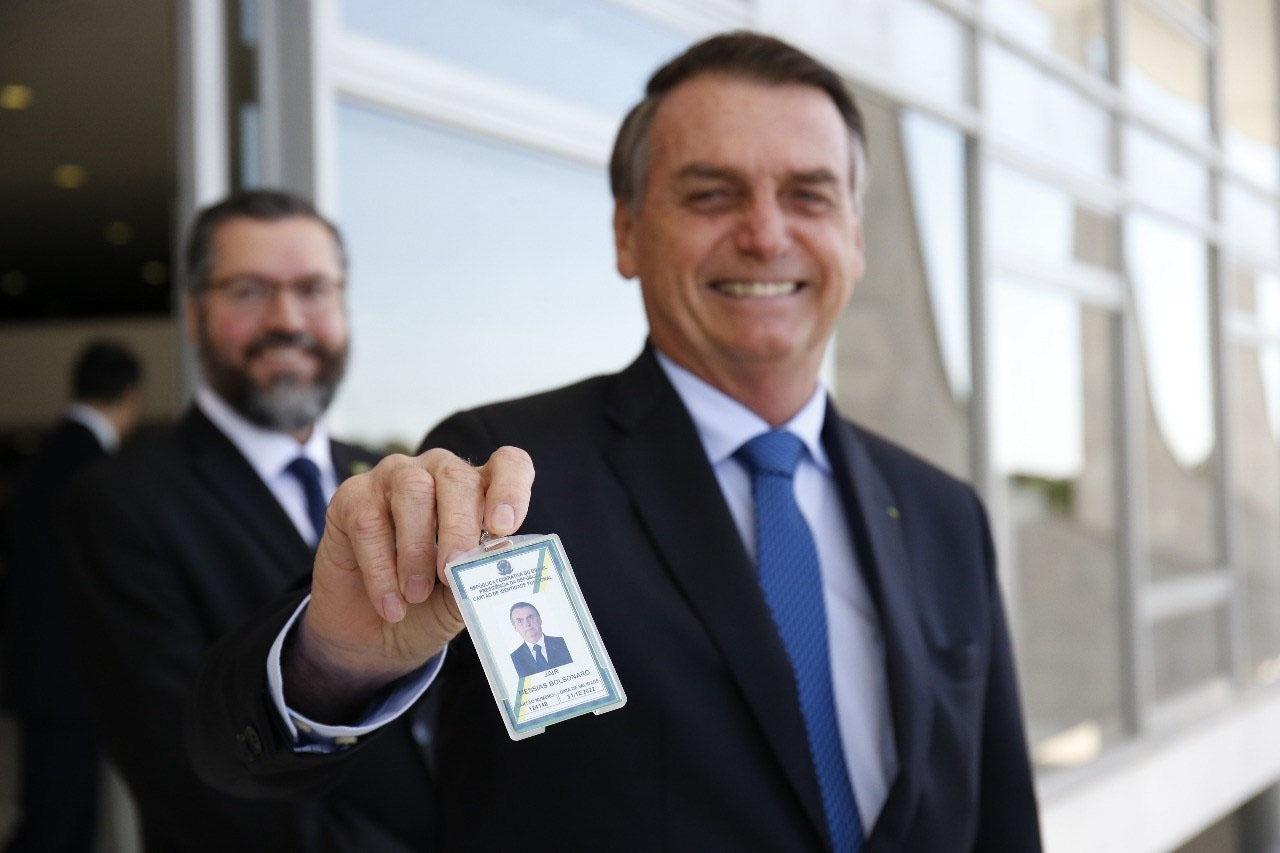Resultado de imagem para 'Cheiro de deputado': Bolsonaro leva ao Planalto a prática da chantagem institucional